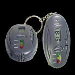 Llavero alcoholímetro linterna y reloj